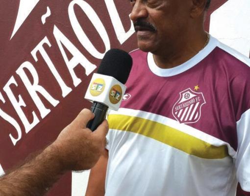 FERNANDO LAURENTI José Carlos Serrão está de volta ao Sertãozinho FC. Desta vez, na Série A3 do Campeonato Paulista. Com 64 anos, o treinador ficou eternizado na história quando levou o clube à elite do futebol estadual em 2009. O seu último time foi just