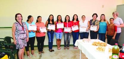 """Cidadãs são certificadas pelo Projeto """"Mão na Massa"""""""
