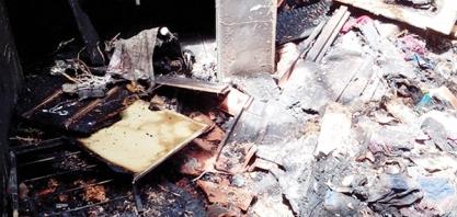 INCÊNDIO - Mulher grávida perde tudo após ter casa queimada