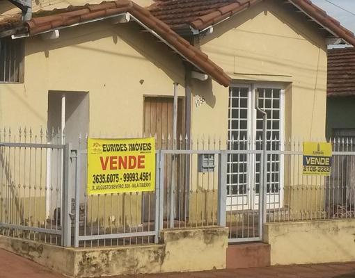 Cenário em Sertãozinho: centenas de imóveis estão com placas de aluga e vende