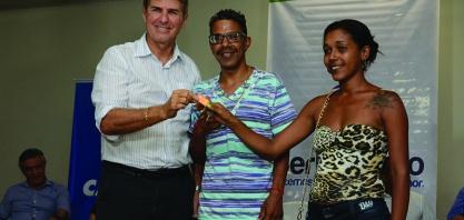 Administração Municipal e Caixa realizam cerimônia de entrega das chaves do Condomínio Residencial UMM