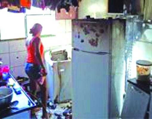 A dona do apartamento, Laís Cristina da Silva, disse que o incêndio foi provocado por conta de um curto-circuito. Foto: Divulgação
