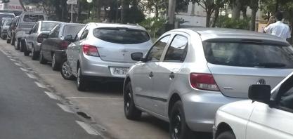 TRÂNSITO - Com a redução de vagas no Centro, aumenta a procura por estacionamentos particulares
