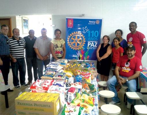 Membros do Rotary de Barrinha, Dejair; Pontal,  Oscar e Alan Jones; Sertãozinho,  Leandro Heck; Sertãozinho Aparecida, Fernando e Osvaldo