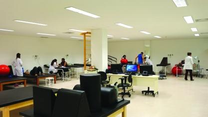 REGIÃO - HC amplia em 30% atendimento do centro de reabilitação Direção estima 13 mil atendimentos por mês.