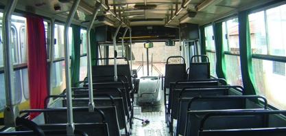 Bandidos entram em ônibus e matam trabalhador a tiros