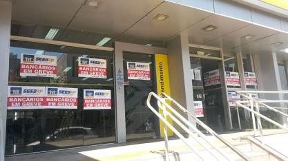 PARALISAÇÃO - Greve bancária permanece em algumas agências de Sertãozinho