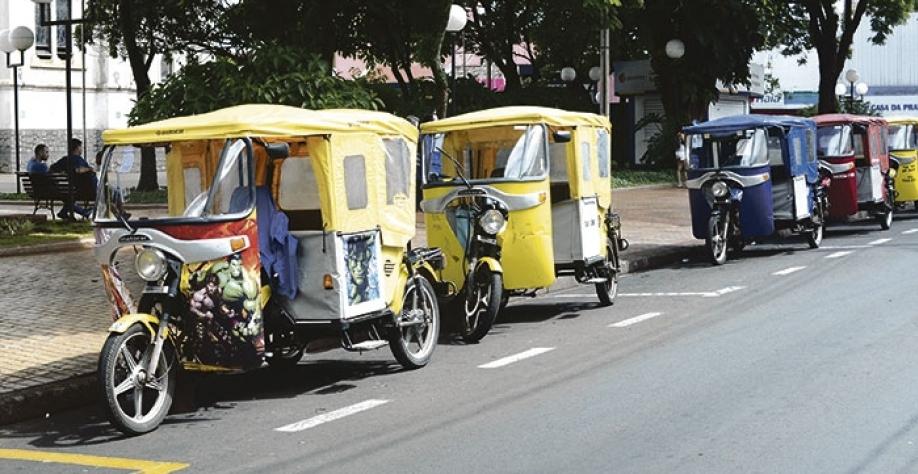 Mototaxistas e condutores de tuque-tuque devem se cadastrar até o dia 20 de fevereiro