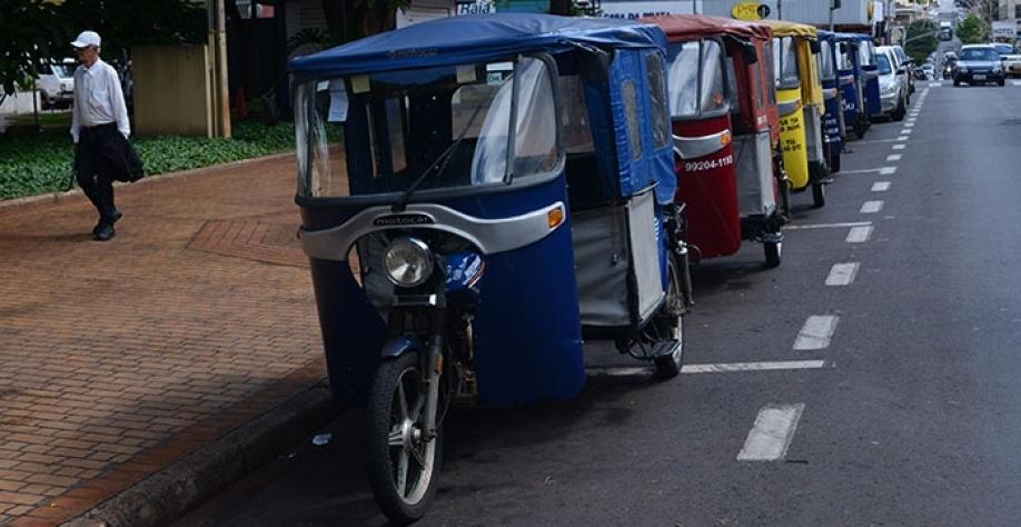 Prazo para o cadastramento de mototaxistas e condutores de tuque-tuque vai até o dia 20 de fevereiro