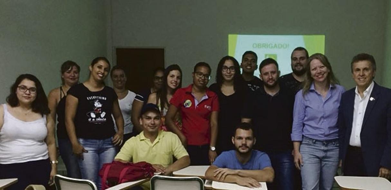 Diretor Henrique Gomes após palestra na FATEC de Jaboticabal