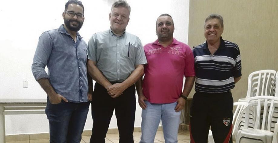 Da esquerda para a direita: o presidente do partido, Alexandre Ramos da Silva Filho (Mahal); o vice-presidente, Paulo Roberto Gallo; o secretário, Fabiano José Sanches;  o tesoureiro, José Aprígio Baptista de Oliveira