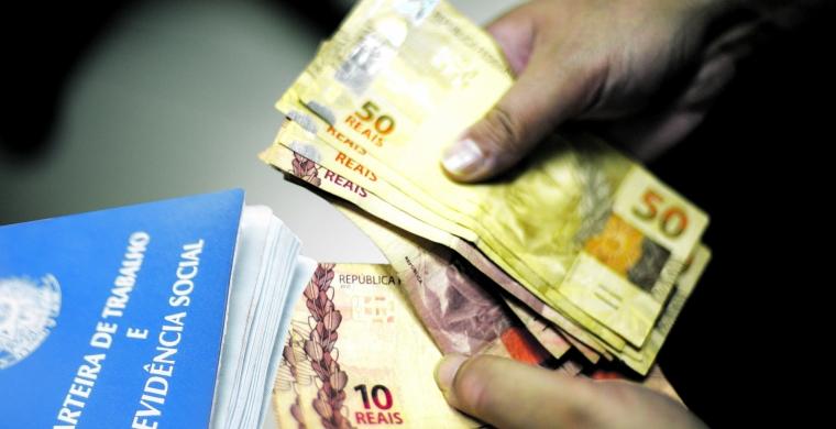 DINHEIRO - Salário mínimo de R$ 998 para 2019 é aprovado pelo Congresso