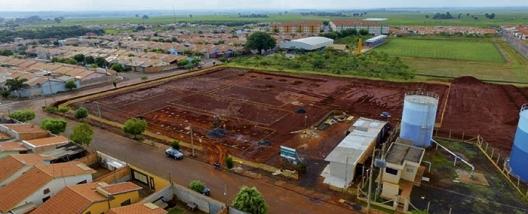 Obra para construção de escola no bairro José Garcia da Costa é iniciada