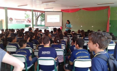 SAÚDE - Encerrando o ano letivo, escolas de Sertãozinho recebem campanha de conscientização sobre o mosquito Aedes aegypti