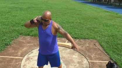 EM BUSCA DE UM SONHO - Deficiente visual dribla dificuldades e treina sozinho para competir em Circuito Mundial de Atletismo