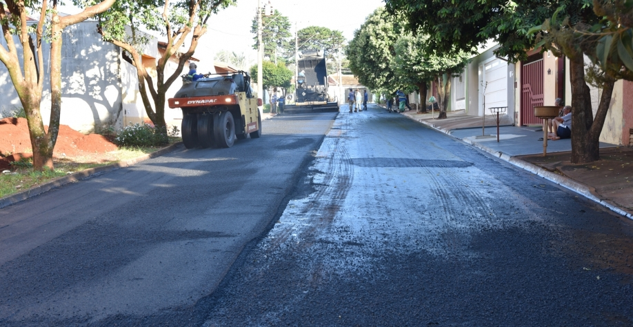 Recape sendo realizado no bairro Belo Horizonte do Tambury