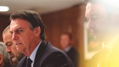 POLÍTICA - Bolsonaro afirma que poderá acabar com horário de verão