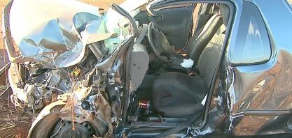Torneiro mecânico morre em colisão entre picape e caminhão em Sertãozinho