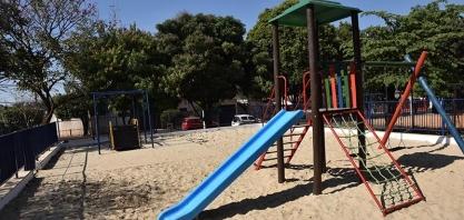 """Praça """"Venício Desidério"""", no Jardim Paraíso ganha novo playground"""