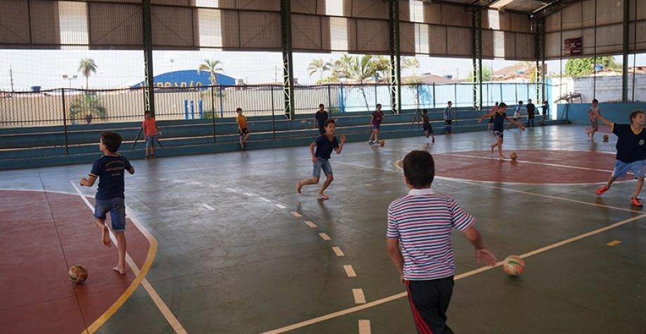 Escolinhas de futsal da Secretaria de Esportes podem receber mais alunos gratuitamente