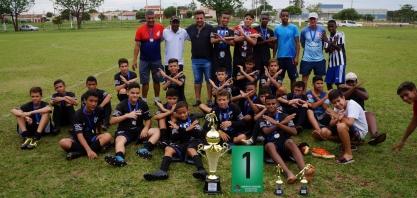 Cohab 3 conquista título da categoria Sub-13 do Futebol Amador
