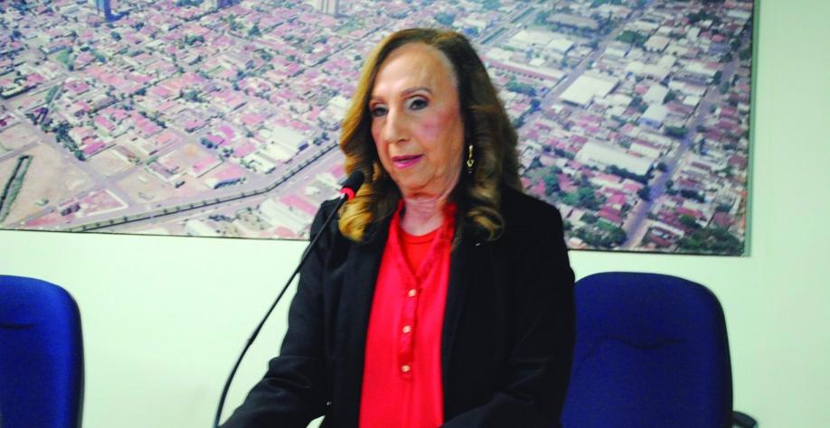 """VEREADORA MARIA NELI MUSSA TONIELO - DENOMINA """"ANGELA MARIA PELÁ"""" O CENTRO CULTURAL E DE EXPOSIÇÕES DA CÂMARA MUNICIPAL DE SERTÃOZINHO"""