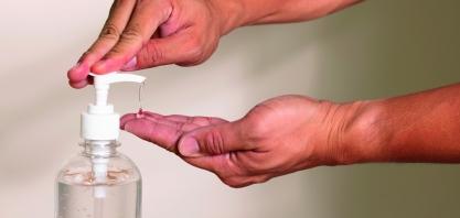 Usinas do Grupo Viralcool doam mais de 17 mil litros de álcool para entidades e prefeituras