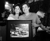 Raquel Mazza com o famoso pintor Beto Candia