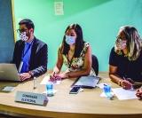 Comissão Eleitoral do Debate: da esquerda para a direita, o corpo jurídico formado pelos advogados, Victor Gimenes Bellini, Amaranta Marques Sarti Torcato e Andrea Valdevite