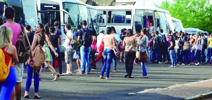Administração Municipal institui cota única e subsidia 76% do transporte de alunos que estudam na região
