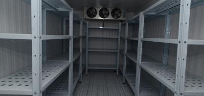 Administração Municipal adquire câmara fria e amplia capacidade de armazenamento de alimentos para as escolas municipais