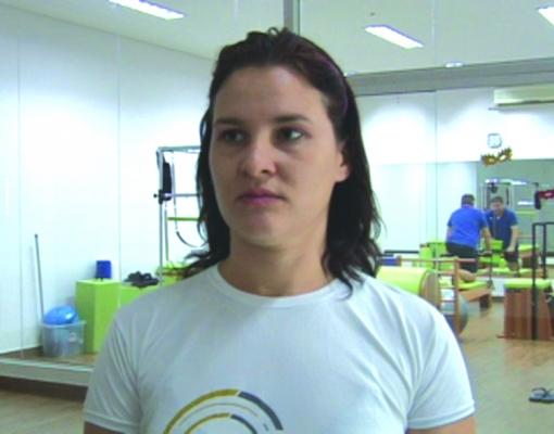 Damiana Fidelis disse que método Pilates é um aliado de quem sofre dores na região lombar. Foto: Reprodução/TV