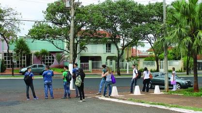 Mudança do local de embarque desagrada estudantes