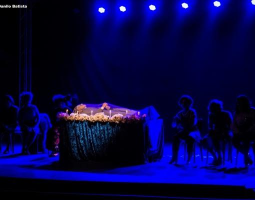 """Espetáculo """"O Último Sarau – Uma Peça de Corpo Presente"""" será apresentado no próximo dia 06, no Teatro Municipal de Sertãozinho. FOTO: Danilo Batista / Divulgação"""