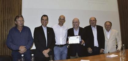 DESTAQUE - Secretário Arnaldo Jardim é homenageado em Araraquara por sua atuação em defesa do setor agropecuário