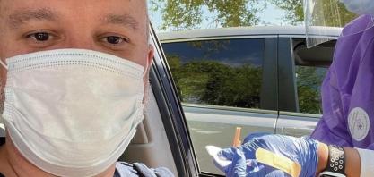 Sertanezino de 44 anos, já vacinado nos Estados Unidos!