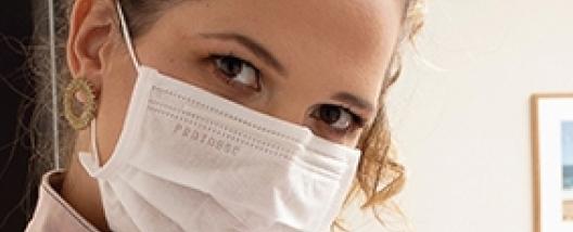 Maskne:  Entenda a Relação Entre o Uso da Máscara e as Acnes