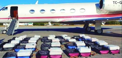 PF apreende 1,3 tonelada de cocaína em avião que saiu de Ribeirão