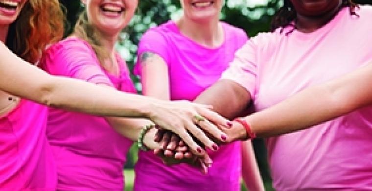 Outubro Rosa é o mês de  prevenção do câncer de mama