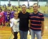 Ilson Pereira ao lado de sua filha Yani e Edilson Paulin