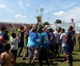 Muita festa entre os jogadores, comissão técnica e torcedores do 1º de Maio
