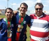 Nilton e Mateus,  felizes pelo título, juntamente com o amigo Vilmar