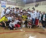 Muita festa entre os jogadores, comissão técnica e torcedores do Fogueira pelo brilhante titulo conquistado