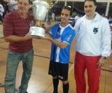 Warner capitão da WR Recursos Humanos recebe o troféu de vice campeão