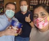 Na loja Barrado Tintas: Arnaldinho Barrado, Marcelo Tiezzi e Cleide Salgado